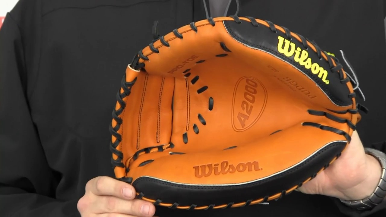 Wilson A2000 Pudge Catcher mitt