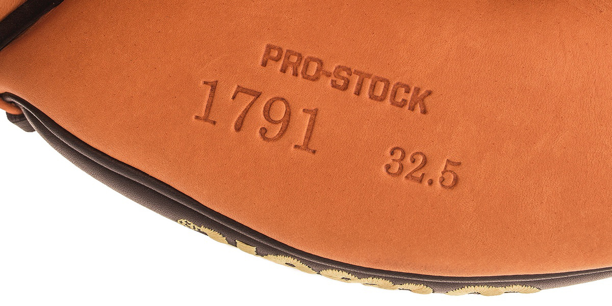 A2000_review_prostockleather